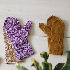 Gloves, Barn, Knitting, Crafts, Winter, Winter Time, Converted Barn, Manualidades, Tricot