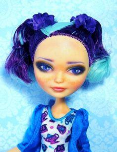 Ever After High Doll Repaint Madeline Hatter Dressed ooak Custom Doll Free Ship Ooak Dolls, Art Dolls, Fantasy Dolls, Monster High Custom, Ever After High, Hair Shows, Doll Repaint, Monster High Dolls, Doll Head