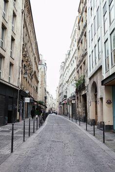 Streets of Paris / blog.jchongstudio.com