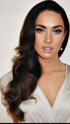Old Hollywood Hair-gorgeous! Don't like Megan Fox but her hair is perfect! Ombré Hair, Hair Dos, Prom Hair, Her Hair, Wavy Hair, Big Curls For Long Hair, Homecoming Makeup, Long Curls, Blonde Hair