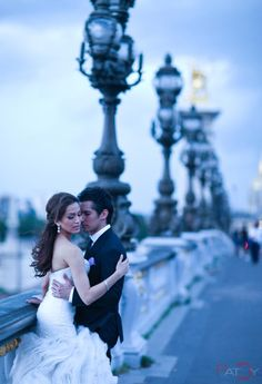 Paris wedding - love her dress drama!