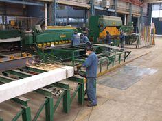 Fabricando una Estructura Metálica para Construir una Nave Industrial