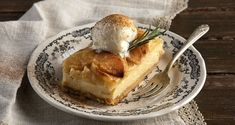 Apple tart with crème patisserie by Greek chef Akis Petretzikis. A scrumptious, easy French tart with creme patisserie and apples that is baked to perfection! French Tart, Sweet Dough, No Bake Desserts, Apple Pie, Sweets, Baking, Breakfast, Ethnic Recipes, Easy