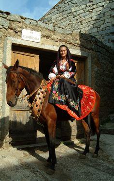 Sarule, traditional costume - Sardinia (Italy) folk costume