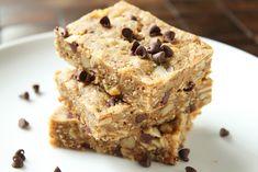Delicious as it Looks: Almond Flour Granola Bars