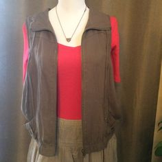 Army Green LA Hearts PacSun Vest This is a super cute vest only worn a few times. Very lightweight and can really change up the look of an outfit. Only sign of wear is a small spot by the zipper (pictured), candy be seen when unzipped. Make me an offer. LA Hearts Jackets & Coats Vests
