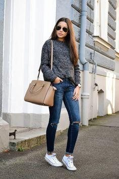 outfit jeans y tenis sabado