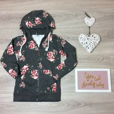 Stay comfy and stylish this season in the beautiful poppy hoody with floral detail 💕💕💕 Model is and wears a size 8 Jean Top, Poppy, Hooded Jacket, Athletic, Hoodies, Stylish, Jeans, Floral, Model
