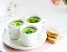 Delicious but light starter for Easter dinner, Pear and watercress soup - Päärynä-vesikrassikeitto aloittaa pääsiäisaterian kepeästi