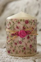 paint and rafia/flower combo Natural Candles, Best Candles, Diy Candles, Decoupage, Mason Jar Candle Holders, Candle Art, Homemade Candles, Candle Making, Decorative Boxes