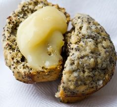 Some possible things to make with all of those lemons the neighbor lady shared with us! Lemon poppy seed muffins and vegan lemon curd.    Link here: http://kblog.lunchboxbunch.com/2011/02/vegan-lemon-curd-on-lemon-poppyseed.html
