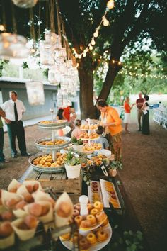 Al fresco backyard wedding. Cool use of hanging mason jars. - - Al fresco backyard wedding. Cool use of hanging mason jars. Al fresco backyard wedding. Cool use of hanging mason jars. Buffet Dessert, Party Buffet, Food Buffet, Dessert Tables, Dessert Bars, Catering Food, Wedding Catering, Catering Ideas, Brunch Mesa