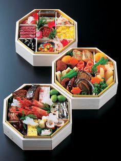 Osechi Japanese new year food 「婦人画報オリジナル おせち三段重」