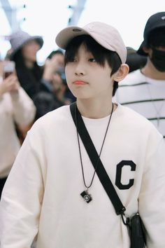 Kpop Guys, Chinese Boy, Ulzzang Boy, Asian Boys, Cute Boys, Got7, Boy Bands, Boy Or Girl, Brother
