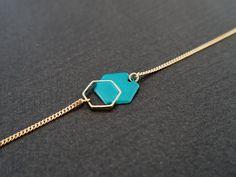 Bijoux Émaillé - Bracelet minimaliste hexagone turquoise #hexagone #geometrique