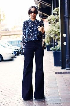 A Complete Style Guide on What Goes With Navy Blue Pants 31 Trendy How To Wear Sweatpants Outfits Ideas Blue Trousers Outfit, Navy Dress Outfits, Navy Dress Pants, Blouse Outfit, Blue Blouse, Trajes Business Casual, Business Casual Outfits, Workwear Fashion, Fashion Clothes