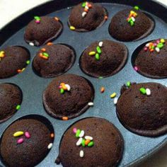 Eggless chocolate cake recipe in appam pan with detailed step by step directions with photos & video. learn how to make cake in appam pan Eggless Chocolate Cake, Chocolate Bread Pudding, Eggless Desserts, Sweet Desserts, Chocolate Making, Eggless Recipes, Eggless Baking, Pudding Cake, Chocolate Chocolate