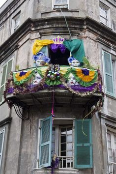 A decorated balcony in the historic French Quarter on the building were writer Tennessee Williams once wrote parts of Streetcar Named Desire pictured on Mardi Gras day in New Orleans, Louisiana, USA, 8 March 2011. Mardi Gras, which translates as Fat Tuesday, ends at midnight tonight in New Orleans, just before Ash Wednesday ushers in Lent.  EPA/SKIP BOLEN