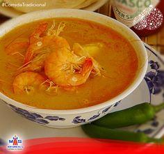 ¿Cuál es la comida tradicional de los domingos aquí en Honduras?  Sopa de camarón