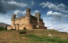 Some of the most beautiful castles in Spain - Castillo Nuevo de Manzanares el Real, Madrid Castle Ruins, Castle House, Medieval Castle, Real Castles, Beautiful Castles, Palaces, Monuments, Castle Pictures, Fortification