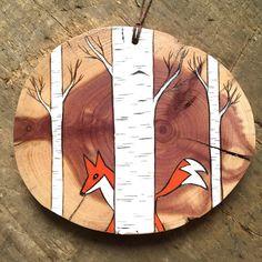 Ce petit renard rouge est traîner dans une forêt darbres bouleau (ou un bosquet tremble selon la façon dont vous le regardez!) Ceux-ci ont été mis à jour et faits sur le bois de cèdre magnifique.  Sil vous plaît choisir dans le menu déroulant si vous voulez cette tranche de bois comme un aimant ou avec chaîne de suspension.  Aucun arbres endommagés dans la fabrication de cet ornement ! Chaque ornement que je fais est dune branche darbre. Que ce soit tombé sur ma propriété, ou frotté de mon…