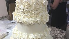 Start with a white cake mix, and add sour cream and almond flavoring to make a quick, moist cake that's ready for your decorating touches. Almond Wedding Cakes, Almond Cakes, Wedding Cupcakes, Doberge Cake, Homemade White Cakes, White Almonds, Sour Cream Cake, Basic Cake, Best Sweets