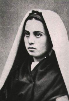 Bernadette Of Lourdes, Santa Bernadette, St John Paul Ii, Saint John, Nun Outfit, Our Lady Of Lourdes, Ascended Masters, Immaculate Conception, Saint Quotes