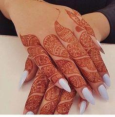 Modern and Attractive Red Mehndi Designs - Kurti Blouse Finger Mehendi Designs, Stylish Mehndi Designs, Mehndi Designs For Fingers, Beautiful Henna Designs, Beautiful Mehndi, Arabic Mehndi Designs, Latest Mehndi Designs, Bridal Mehndi Designs, Fingers Design