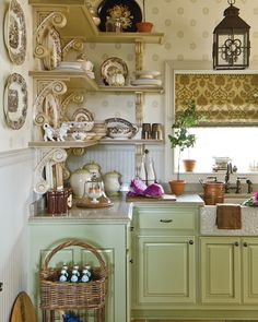 As Featured in Southern Cottages Rural Splendor - Southern Farmhouse Kitchen Interior Design: Eric Ross Interiors Photo Credit: Hoffman Media Country Kitchen Interiors, French Country Kitchens, French Kitchen, Country Farmhouse Decor, Interior Design Kitchen, Country French, Kitchen Designs, English Cottage Kitchens, Southern Farmhouse
