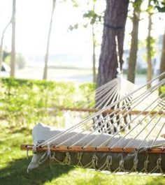 Beach house style - decorating site - mylusciouslife.com - hamptons-hammock.jpg