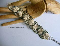 Micro macrame bracelet. Beaded in hemp and patina.