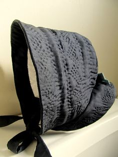 Quilted winter hood. Love the color and the design!