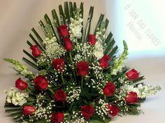 Ó son das flores: Arreglo florales para el exterior de un nicho.#F...                                                                                                                                                                                 Más