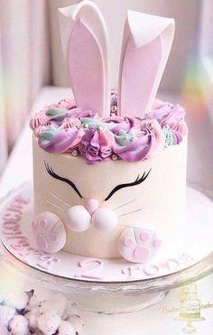 Bunny Birthday Cake, Easter Bunny Cake, Bunny Cakes, Birthday Cakes, Gateau Baby Shower, Desserts Ostern, Rabbit Cake, Cute Desserts, Easter Desserts
