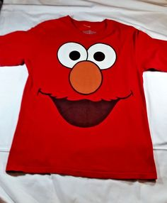 Sesame Street Tickle Me ELMO Red Short Sleeve TShirt Size Medium #SesameStreet #ShortSleeve