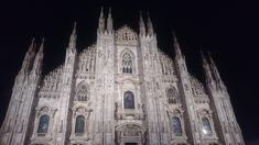 #milan #duomo #night Milan Duomo, Tinder Dating, Man Projects, Best Youtubers, Rome, Beautiful Places, Paris, Night, Travel