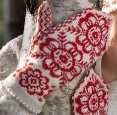 votter - gratis oppskrift, tove fevang Fingerless Mittens, Knit Mittens, Knitted Gloves, Knitting Stitches, Free Knitting, Knitting Patterns, Crochet Patterns, Drops Design, Wrist Warmers