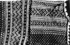 DigitaltMuseum - Valle, Setesdal, Aust-Agder 1939. Detalj av mønster på strikket genser, spytetrøye.