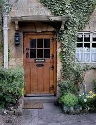 Box Cottage, on a short lane in Broadway, England The doors are so short inches high) Perfect for me & Mom! Cottage Front Doors, Cottage Door, Cottage Living, Cozy Cottage, Cottage Style, Cottage Exterior, Cottage Fireplace, Wooden Cottage, Living Room