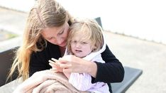 Oplever du også at dit barn ikke altid gør som du siger? Måske du skal droppe nogen af de sædvanlige sætninger...