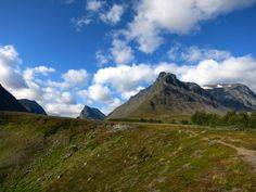 Kungsleden (King's Trail). The road between Vistas to Nallo.