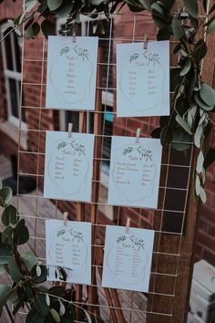 Wedding Rustic Decoration Table Seating Charts Ideas For 2019 Table Seating Chart, Wedding Table Seating, Wedding Tables, Wedding Table Planner, Wedding Planning, Wedding Ceremony Decorations, Decor Wedding, Wedding Ideas, Wedding Favors