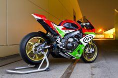 Aprilia RSV with race plastics, upgraded wheels and rotors. Motorcycle Companies, Motorcycle Manufacturers, Cbr 600, Ducati, Yamaha R1, Honda, Custom Sport Bikes, Bike Engine, Motorcycle Wheels