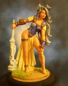 Female Cloud Giant http://www.reapermini.com/InspirationGallery/bones/latest/page38