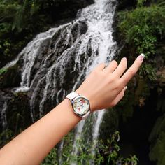 I do believe it's time for another adventure ✨🙌🏼🗺 As the watch says; I haven't been everywhere but it's on my liste ✍🏼🇨🇳🌏 Girls Best Friend, Wood Watch, Bali, Jewelery, 21st, Adventure, Watches, Instagram Posts, Fashion
