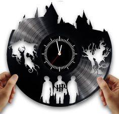 Harry potter vintage vinyl clock handmade. Crafts harry potter from vinyl record #Handmade