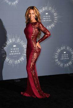 Beyoncé in Zuhair Murad and Nicolas Jebran at the 2014 MTV Video Music Awards