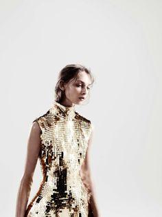 "Daga Ziober in ""Gareth Pugh"" photographed by Aitken Jolly. Vogue, Gareth Pugh, Gold Fashion, Steampunk Fashion, Gothic Fashion, Fashion Women, Women's Fashion, Editorial Fashion, Dress Up"