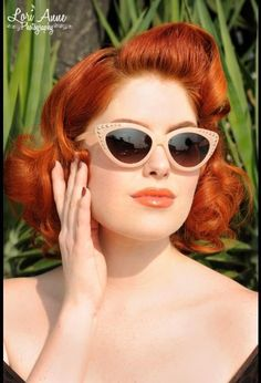 Pin up girl clothing Girl With Sunglasses, Oakley Sunglasses, Rockabilly Fashion, Rockabilly Style, Rockabilly Hairstyle, Rockabilly Outfits, Pinup Girl Clothing, Pin Up Hair, Pin Up Dresses