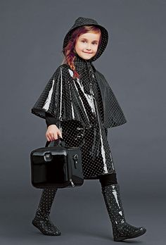 dolce and gabbana winter 2015 child collection 85 Kids Winter Fashion, Fashion Kids, Fashion Outfits, Girls Raincoat, Top Mode, Dolce And Gabbana Kids, Baby Couture, Little Fashionista, Little Girl Fashion